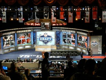 800px-NFL_Draft_2010_stage_at_Radio_City_Music_Hall